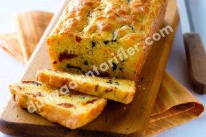 Kurumuş Domates ve Peynirli Ekmek
