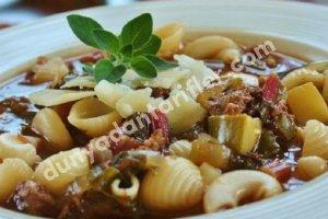 İtalyan Sosis Çorbası Tarifi